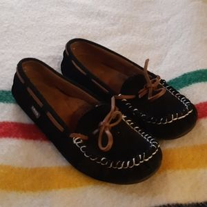 Lamo moccasin shoes